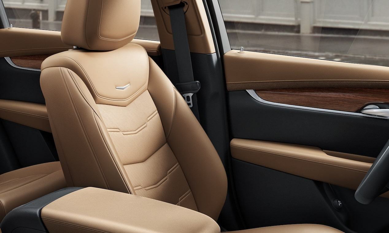 The 2019 XT5 luxury crossover with XT5 safety seats.