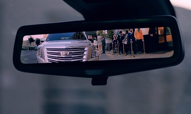 2019 Cadillac XT5's available Rear Camera Mirror.