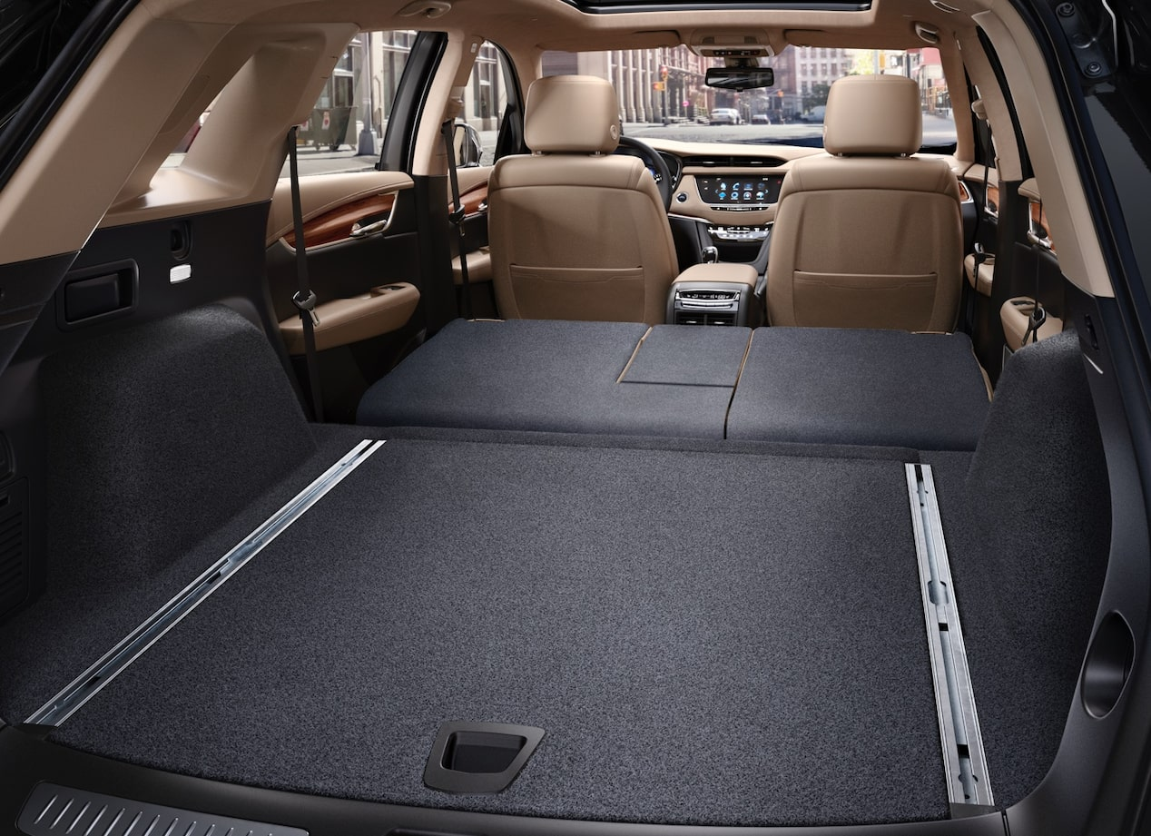 Rear cargo space in the 2019 XT5 luxury crossover.