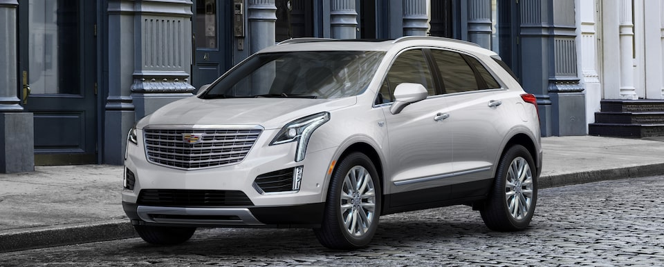 Exterior of the 2019 Cadillac XT5 luxury crossover in Crystal White Tricoat.