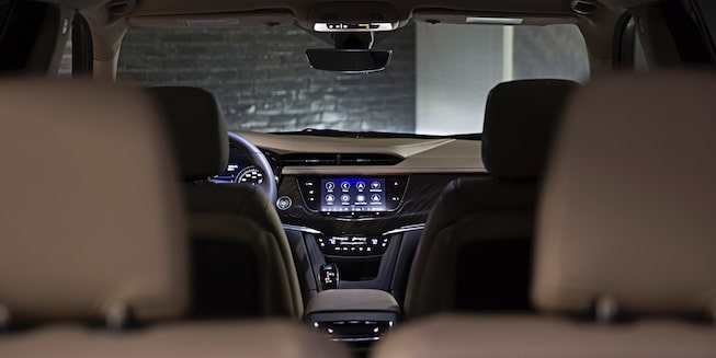 vehicles-xt6-gallery-interior-02