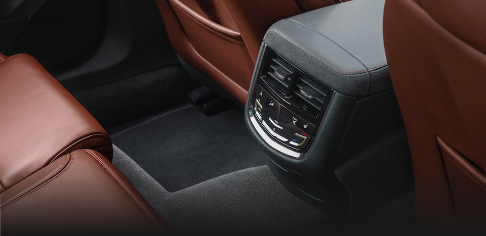 2019 Cadillac CTS interior: available Tri-Zone Climate Control.