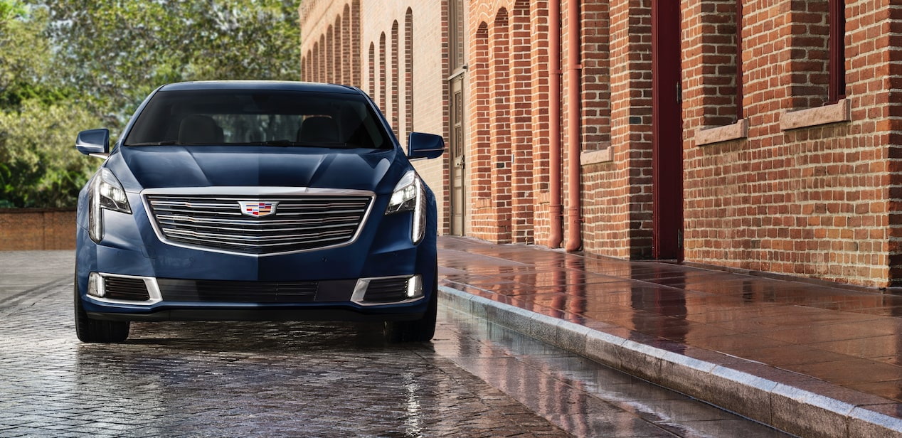 Front view of Cadillac XTS Platinum.