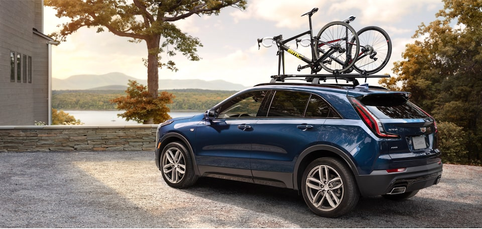 2020 Cadillac XT4 Roof Rails with Bikes.