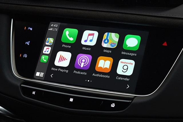 Cadillac XT5 2021: Apple CarPlay.